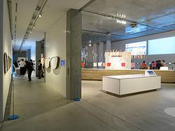 色からデザインの可能性探る「カラーハンティング展」初公開