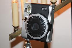 夜景や光の軌道が撮影できるインスタントカメラ「チェキ」新モデル発表