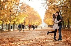 秋は「恋できない」季節と判明!それでもモテる3つのテク