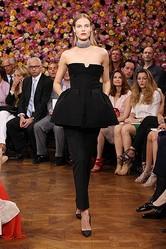 新生Dior <br>ラフ・シモンズによる初のクチュールコレクション発表