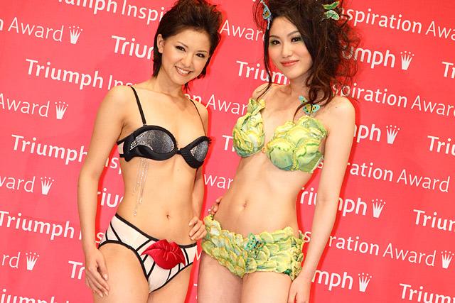 (写真右)下着デザイン、優勝作品はキャベツのモチーフにしたユニークな作品「芽がでるインナー」。(写真左)昨年の世界大会でグランプリを獲得した作品「Under Skin(アンダー・スキン」は商品化され、8月に世界で限定発売される。(会場:東京・渋谷区、撮影:野原誠治)