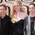 自殺したソーヤー・スウィーテンさんと姉のマディリン・スウィーテン、双子のサリヴァン・スウィーテン(左から)