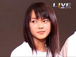 恩田陸さんのベストセラー小説を映画化した「夜のピクニック」。9月30日からの公開を前に舞台あいさつが行われ、多部未華子さん、石田卓也さんらキャストらが出席した。