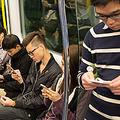 中国メディア・荊楚網は3日、湖北省武漢市を走る地下鉄2号線の洪山広場駅で2日午後、若い女性と中年女性が座席を争ってケンカとなり、若い女性の衣服が引きちぎられるというニュースを紹介したうえで、7年後の北京冬季五輪に向けて国内のモラル向上を図る必要があるとする評論記事を掲載した。(イメージ写真提供:(C)Stanislav Komogorov/123RF.COM)