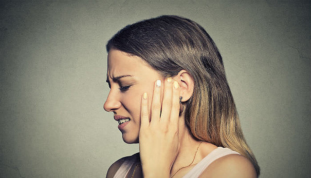 が する 耳 キーン と が 音