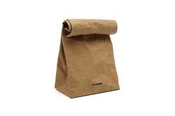 爆発的人気 JIL SANDERの「紙」バッグがオンラインストアで再販