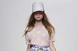Karen Walker、2013春夏の最新コレクション