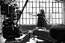 【動画】サンローラン エディ初のウィメンズPVはバレリーナシューズが主役
