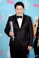 キム・グラ「2015 MBC放送芸能大賞」で大賞に輝く…人生初の大賞のトロフィーを獲得(総合)