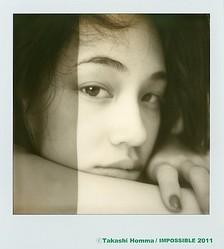 ホンマタカシがポラロイドで撮った水原希子、中目黒で写真展
