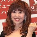セクシー衣装で登場した大場久美子