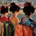 胸回りに帯をキツく巻くと上半身に汗をかかない 京都の舞妓も実践