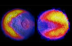 土星の衛星で「パックマン」を発見