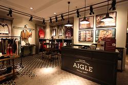 160周年AIGLEが渋谷本店を改装 アウトドアからタウンユースに