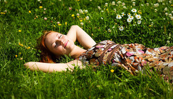 ストレスが「眠い」の原因! 日中の眠気を防ぐストレス解消法