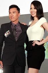 香港のアクションスター、ドニー・イェンをスターダムにのし上げた『イップ・マン』シリーズ3作目が制作予定。だが監督変更に不満を持つドニーがプロデューサーともめ、出演は叶わないようだ。写真はドニーと妻の汪詩詩。(写真は「CNSPHOTO」提供)