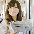 スキマ時間も有効に使いたい! 女子が「電車通勤中にしていること」4選