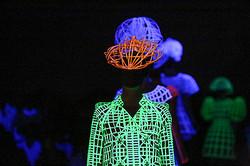 【Fashion Week DAY4】闇と光のANREALAGEとWHIZ LIMITED、色で演出したfur furとet momonakia
