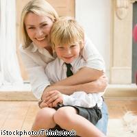 「息子ラブも、いい加減にしたら?」と周囲を呆れさせる男子ママのイタい行動9パターン
