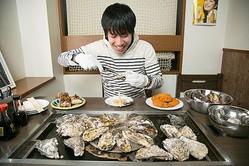 """高級殻つき牡蠣の""""王様食い""""もできちゃう! 今、飲食店で一品食べ放題がブームになっている"""