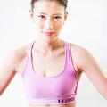 プロボクサーにして、その美貌と話題性でメディアにもしばしば登場する高野人母美