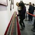 山西省の太原晋商博物館で27日、展覧会「晋商算学家・王文素と珠算文化」が始まった。同展の目玉の1つが「中国最大」とされるそろばんだ。