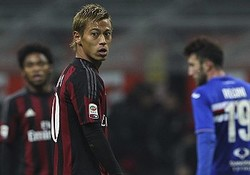 伊紙、途中出場の本田に「僅かな時間で素晴らしいパスを出すも…」