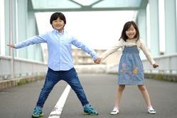 急増する「真っ直ぐ立てない子供」の姿勢を正すには?
