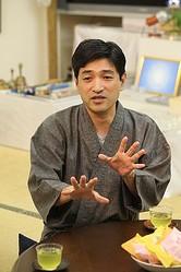 ひかりの輪代表役員の上祐史浩氏。17年前、サリン事件を起こした組織の一員だった彼が見た、現代日本の姿とは?
