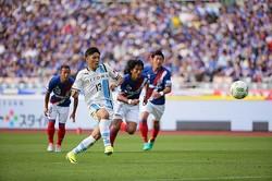 川崎の1点リードで迎えた79分、小林が獲得したPKを決めた大久保。今季10ゴール目を決めて勝利に貢献した。写真:滝川敏之(サッカーダイジェスト写真部)