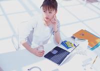 【女の転職】20代で年収400万以上が狙える「ちょっと良い仕事」