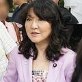 デモ参加者と対話する片山さつき議員。集合場所の新宿・柏木公園で