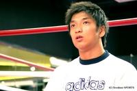 沖縄でのボクシング特訓を終え、日焼けした所の表情は精かんさを増した