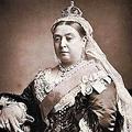 125年もたってパンツが売り出される『ビクトリア女王』って一体どんな人?