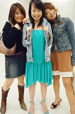 左から香宮 玲、青山 えりな、大橋 亜矢の3人。1週間を経過して、それぞれどんな味方を引き込んできたのだろう。