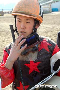 小桧山厩舎所属の高野和馬(たかの かずま)騎手(20歳)