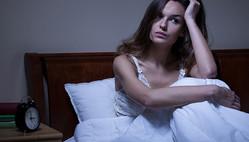 眠れないときの対策 寝室のカーテンを替えて快眠
