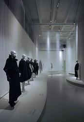 ロンドン、ミュンヘン経て東京へ 「日本ファッションの30年」展