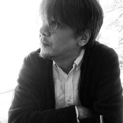 おかだ・よしかず 1959年東京都生まれ。脚本家。90年にデビュー、94年「若者のすべて」で、連続ドラマで初のオリジナル作品執筆、以後、人気ドラマ、映画の脚本を数多く手がける。主な作品に、朝の連続ドラマ小説「ちゅらさん」「おひさま」、「ビーチボーイズ」「彼女たちの時代」「銭ゲバ」「最後から二番目の恋」「泣くな、はらちゃん」「スターマン・この星の恋」「さよなら私」、映画「いま、会いにゆきます」「阪急電車 片道15分の恋」「県庁おもてなし課」など。向田邦子賞、橋田壽賀子賞などを受賞。NHKーFMで「岡田惠和の今宵、ロックバーで、〜ドラマな人々の音楽談義」のパーソナリティーをつとめている。