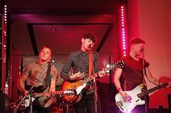 UKバンドThe Heartbreaksが銀座バーバリーで熱狂ライブ