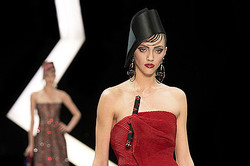 Giorgio Armani Prive、2013春夏オートクチュールの最新コレクション