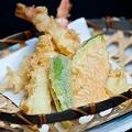 塩?天つゆ?家で天ぷらを食べるときは、何で食べますか?「天つゆ61.3%」「塩19.1%」