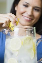 意外と知らない知識「レモン1個分のビタミンCは20mg」