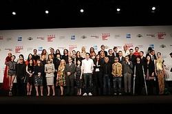 デザイナーと各国VOGUE編集長 総勢50名が集結、FNO開幕