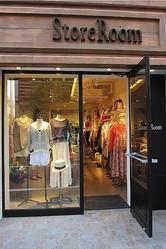 新セレクトショップ「StoreRoom」服と本でライフスタイル提案