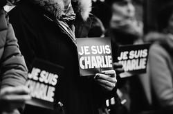 アノニマス、フランスのテロに「反撃」を宣言