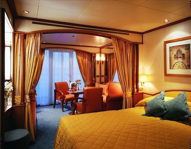 シルバーシー・クルーズ プラテシ社のカスタムメードのベッドリネンで快適な眠りを提供!