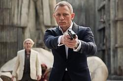観るしかない!『007 スカイフォール』地上波初放送!  - Skyfall (c) 2015 MGM, Danjaq. Skyfall, 007 Gun Logo and related James Bond Trademarks, TM Danjaq.