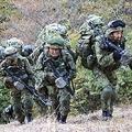 陸上自衛隊の兵士の中でも限られた者だけが手にできるレンジャー徽章。27人の訓練学生は過酷な訓練を乗り切れるか?/[c]Sony Music Entertainment(Japan)Inc.