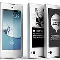 YotaPhone:液晶と電子ペーパーの2つの画面をもつスマートフォン